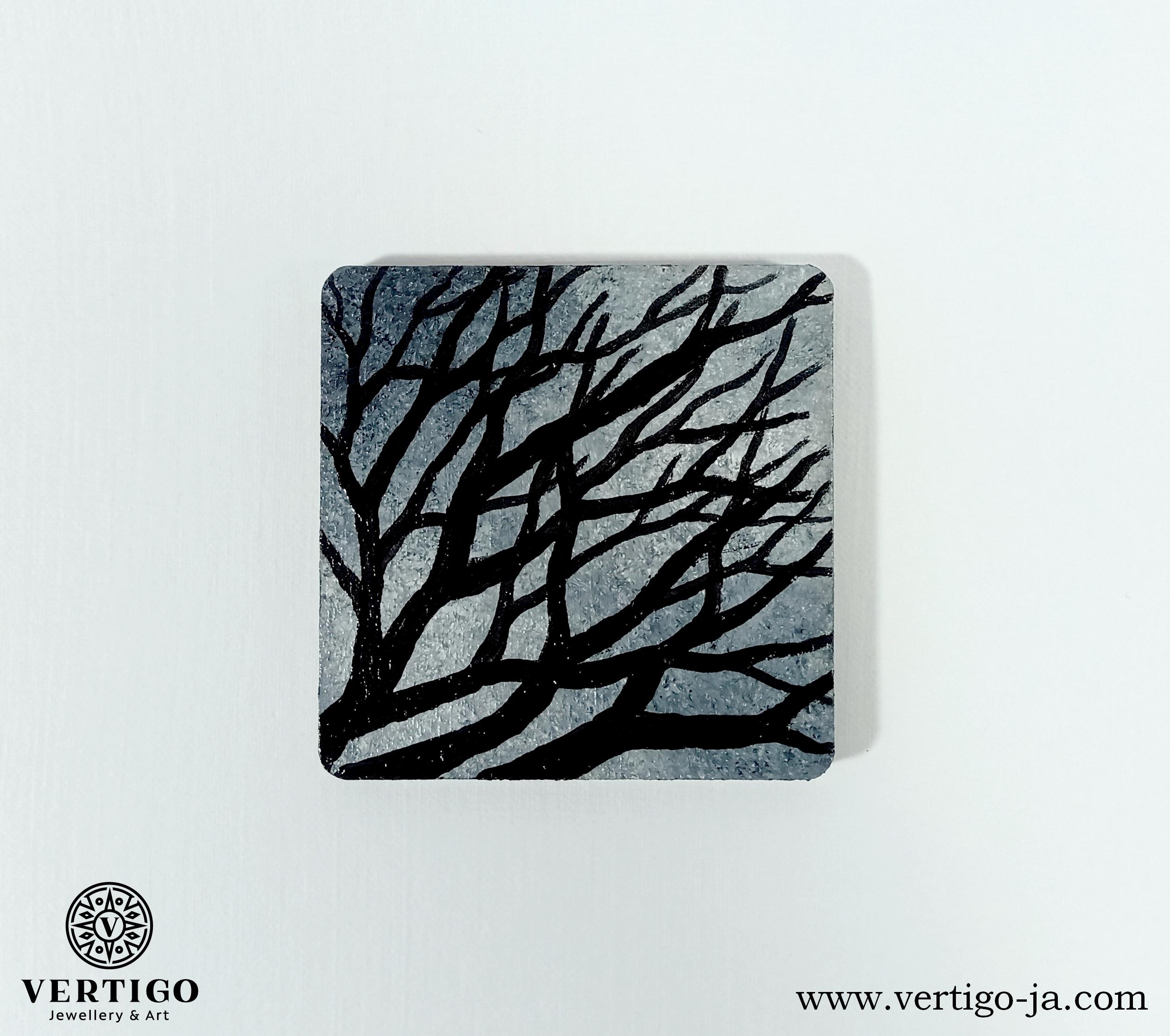 magnes-galezie-odcienie-czarnego-i-szarosci-na-lodowke-tablice-magnetyczna