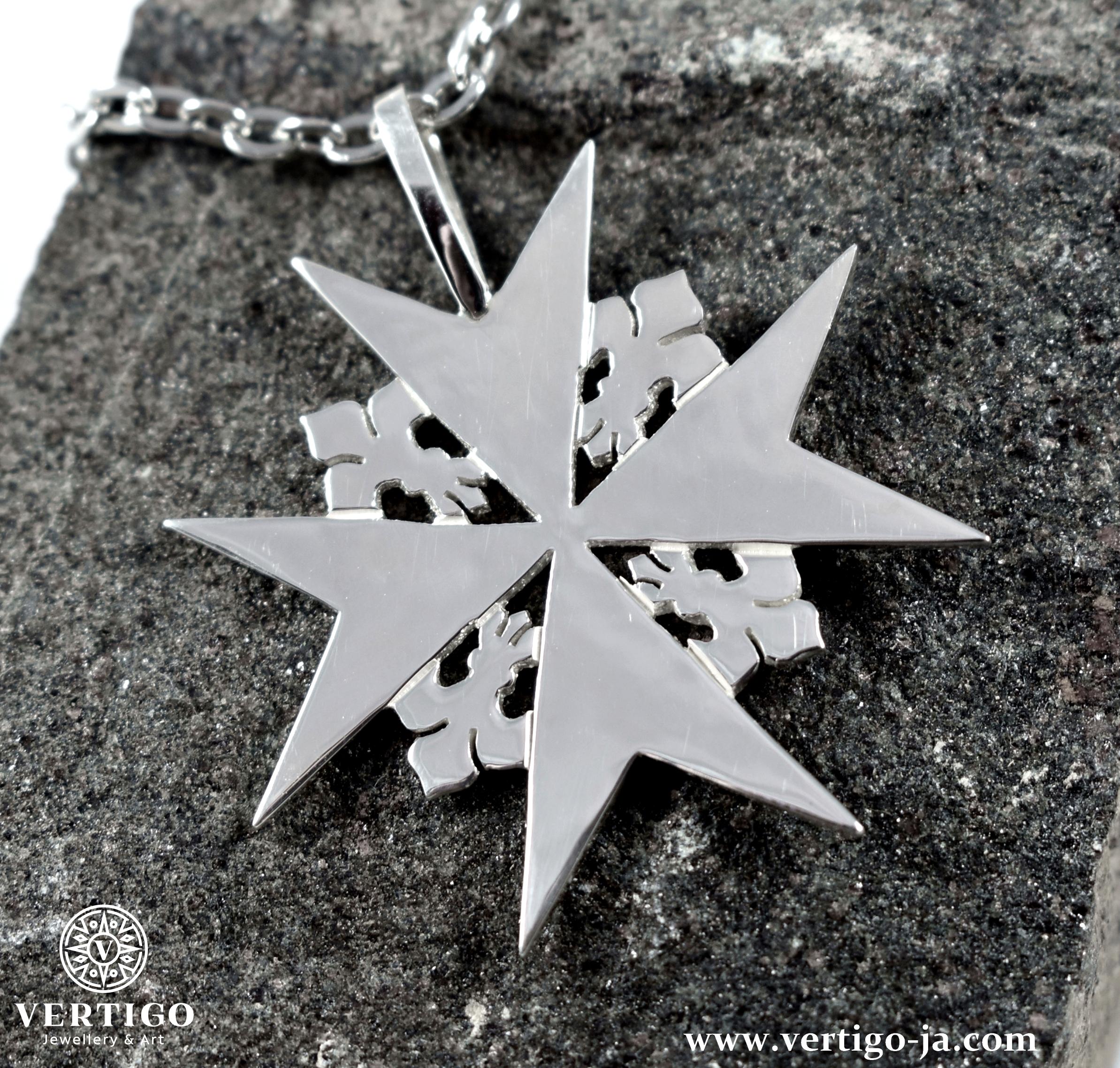 srebrna-zawieszka-krzyz-maltanski-z-liliami-herbowymi-duzy-rozmiar-dla-mezczyzn
