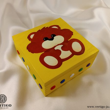 Drewniane pudełko dla dzieci, słodki misiu