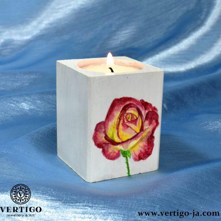 Drewniany świecznik Herbaciana Róża