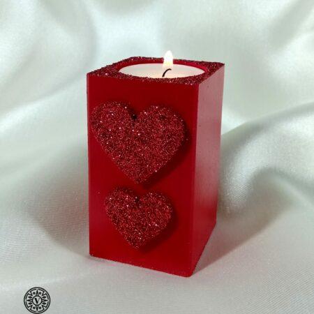 Drewniany świecznik Czerwone Serduszka