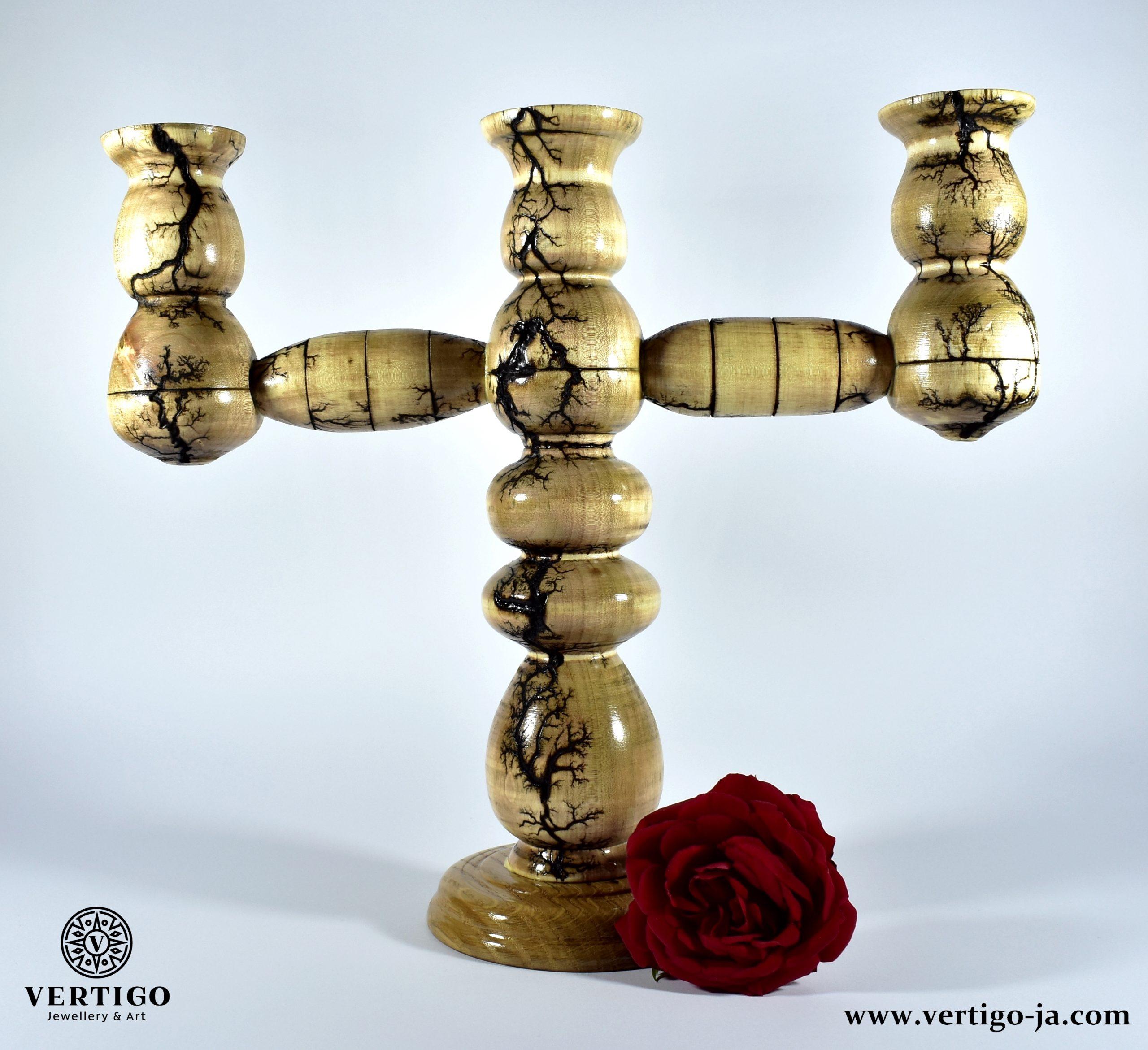 swiecznik-trojramienny-toczony-drewniany-wypalany-z-roza