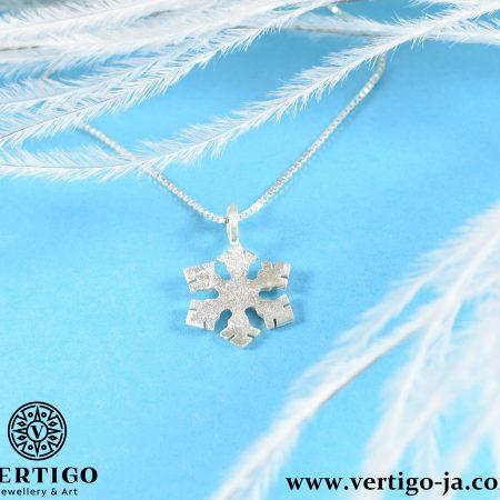 Srebrna bransoletka ze śnieżynką