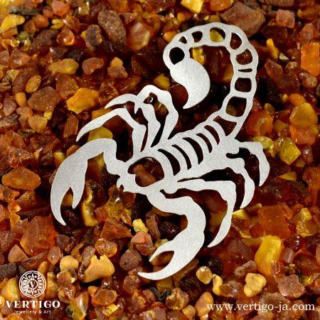 Srebrna, ręcznie robiona zakładka ze skorpionem