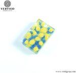 Wisiorek z żywicy niebiesko-żółty