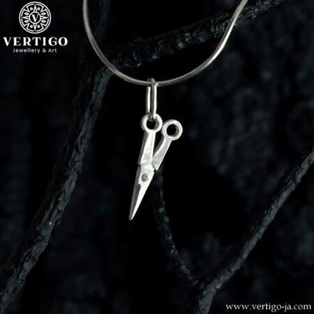 Srebrna zawieszka nożyczki - ruchomy wisiorek ze srebra 0,925