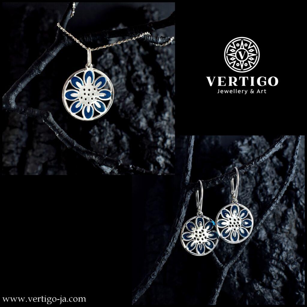 2 częściowy komplet srebrnej damskiej biżuterii z okrągłymi mandalami z niebieską żywicą - zawieszka z kolczykami