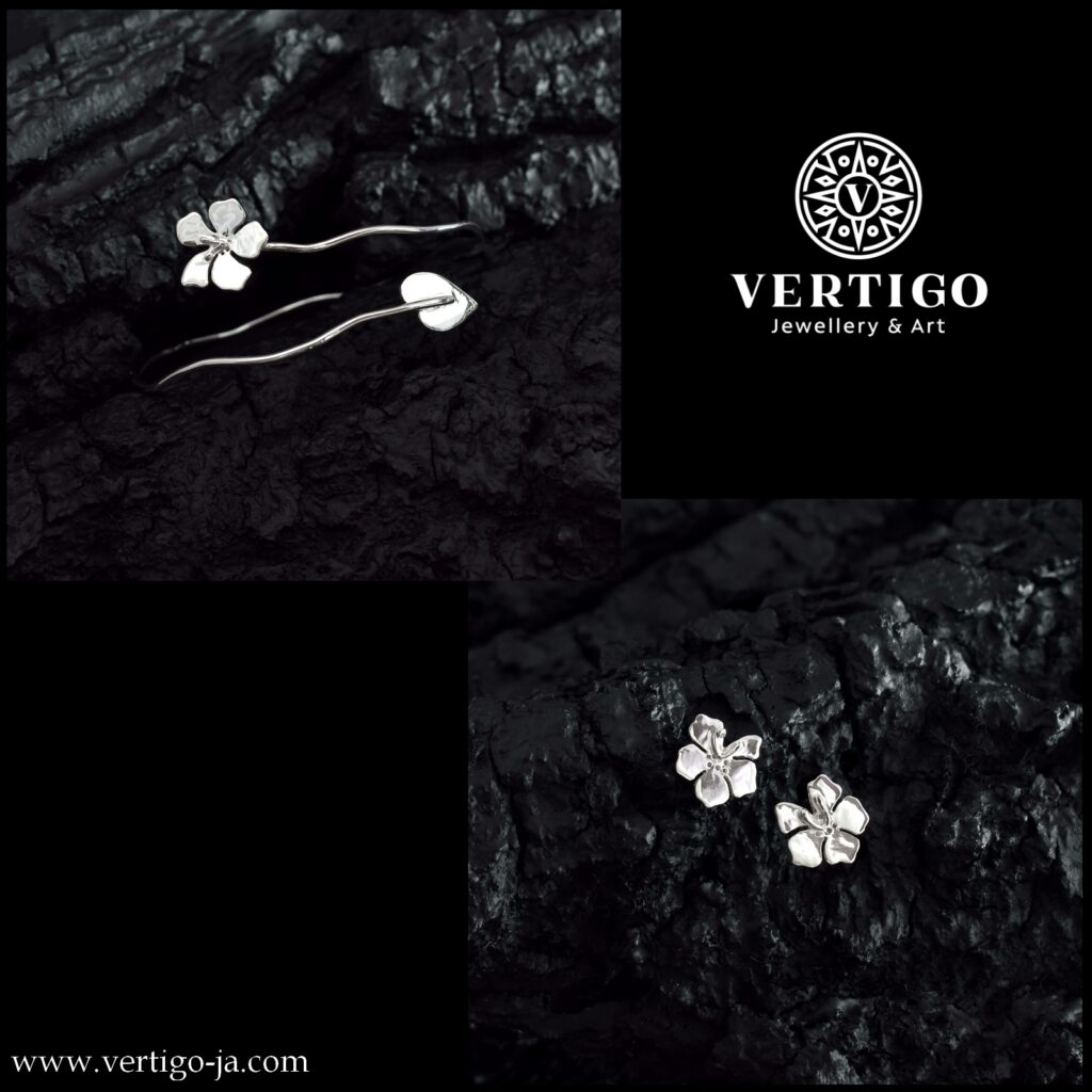 Srebrny 2 częściowy komplet damskiej biżuterii z kwiatami - bransoleta i kolczyki