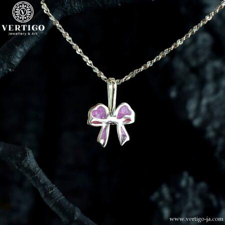 Srebrna zawieszka różowa kokardka - biżuteria dla dzieci