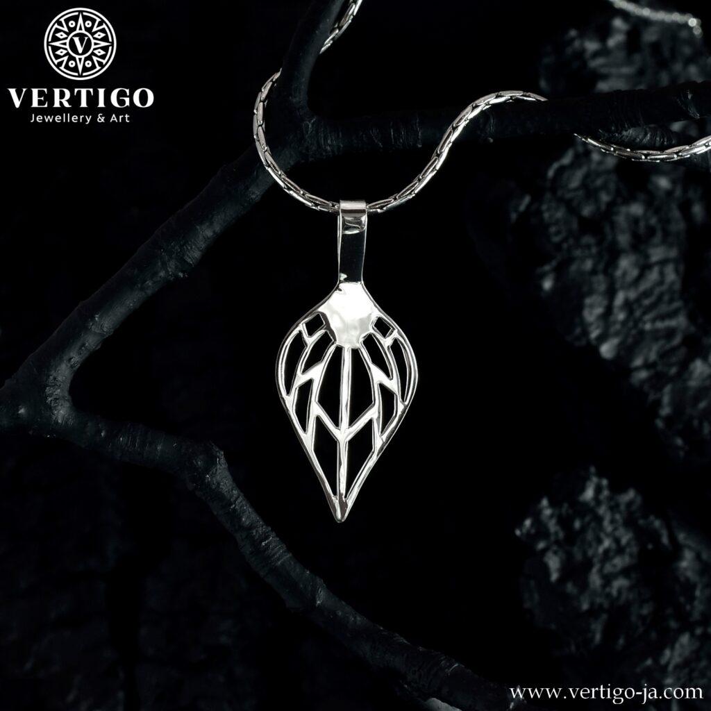Srebrny liść wisiorek ze srebra 0,925