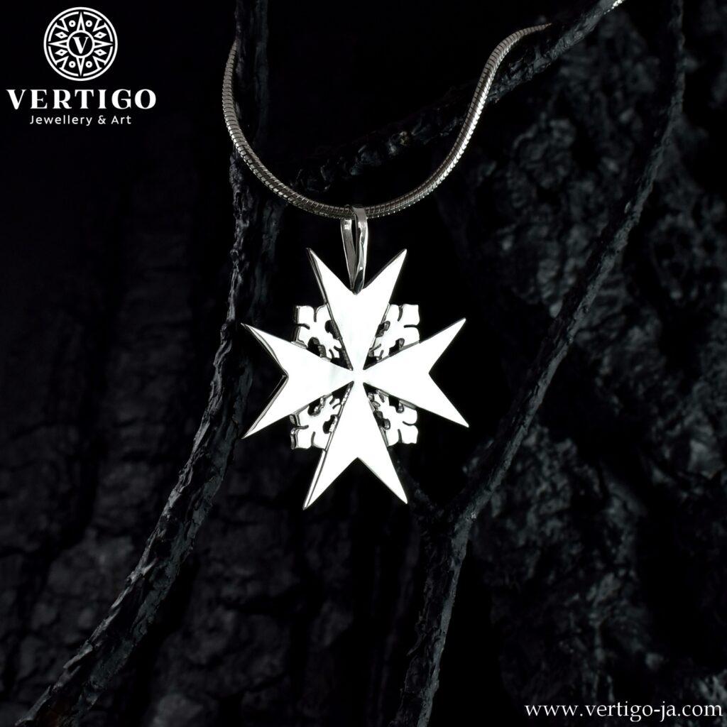 Duży męski krzyżyk - krzyż maltański ze srebra 0,925