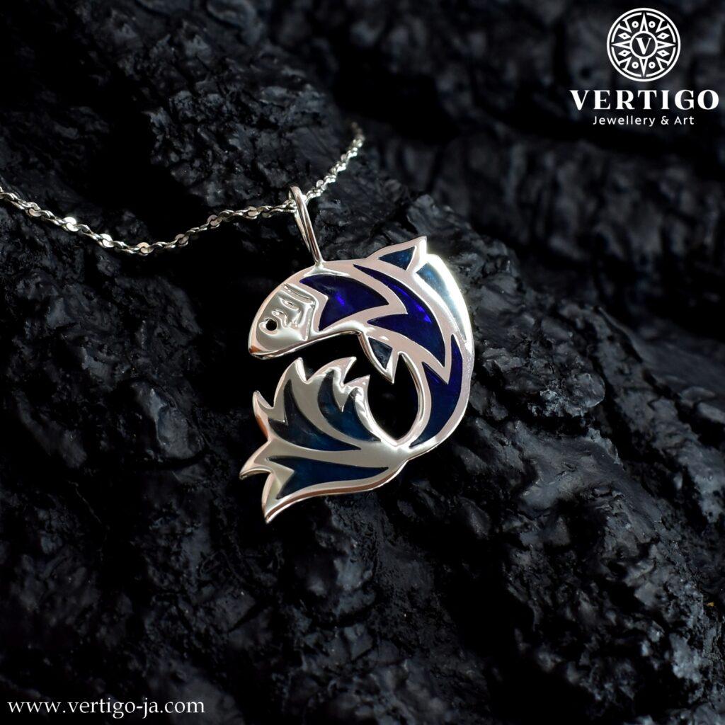 Wisiorek Ryba z niebieską żywicą - srebrny wisiorek handmade